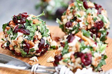 Boulettes de Selles-Sur-Cher, noix, cranberries et persil