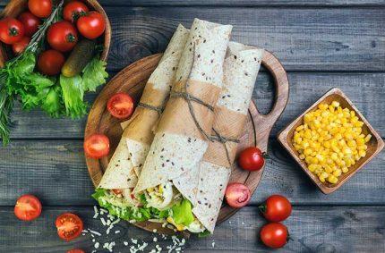 Wrap Selles-Sur-Cher, tomate, salade, maïs, oignon nouveau